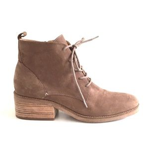 Lucky Brand Tamela Ankle lace up booties suede 10